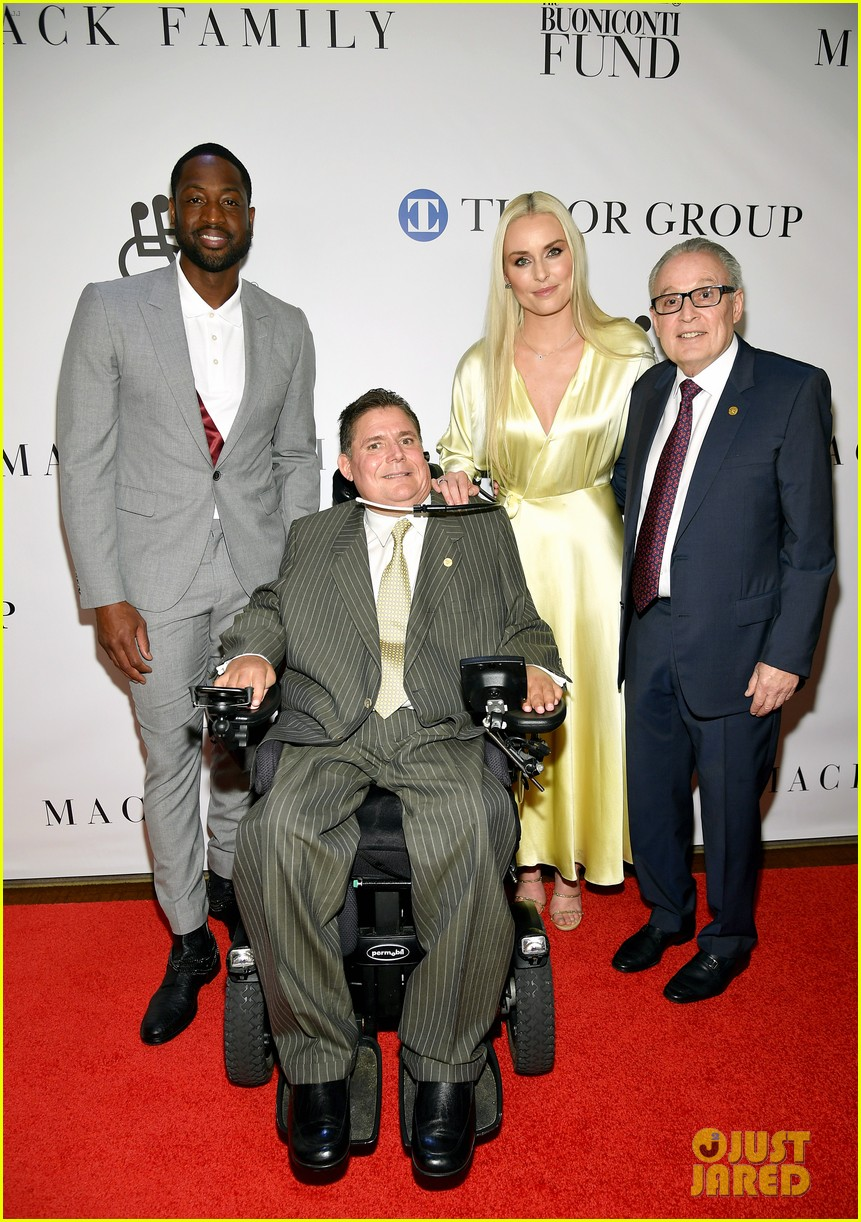 dwyane wade and lindsey vonn team up for great sports legends dinner paralysis 014367591