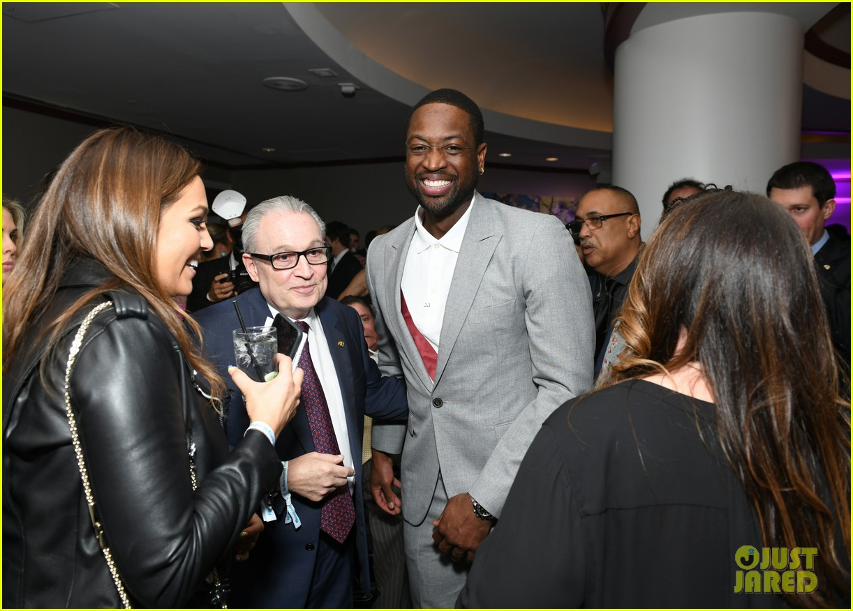 dwyane wade and lindsey vonn team up for great sports legends dinner paralysis 224367612