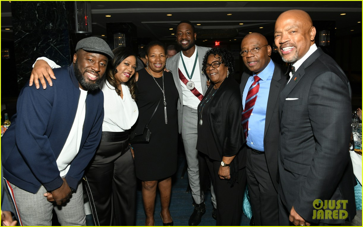 dwyane wade and lindsey vonn team up for great sports legends dinner paralysis 404367630
