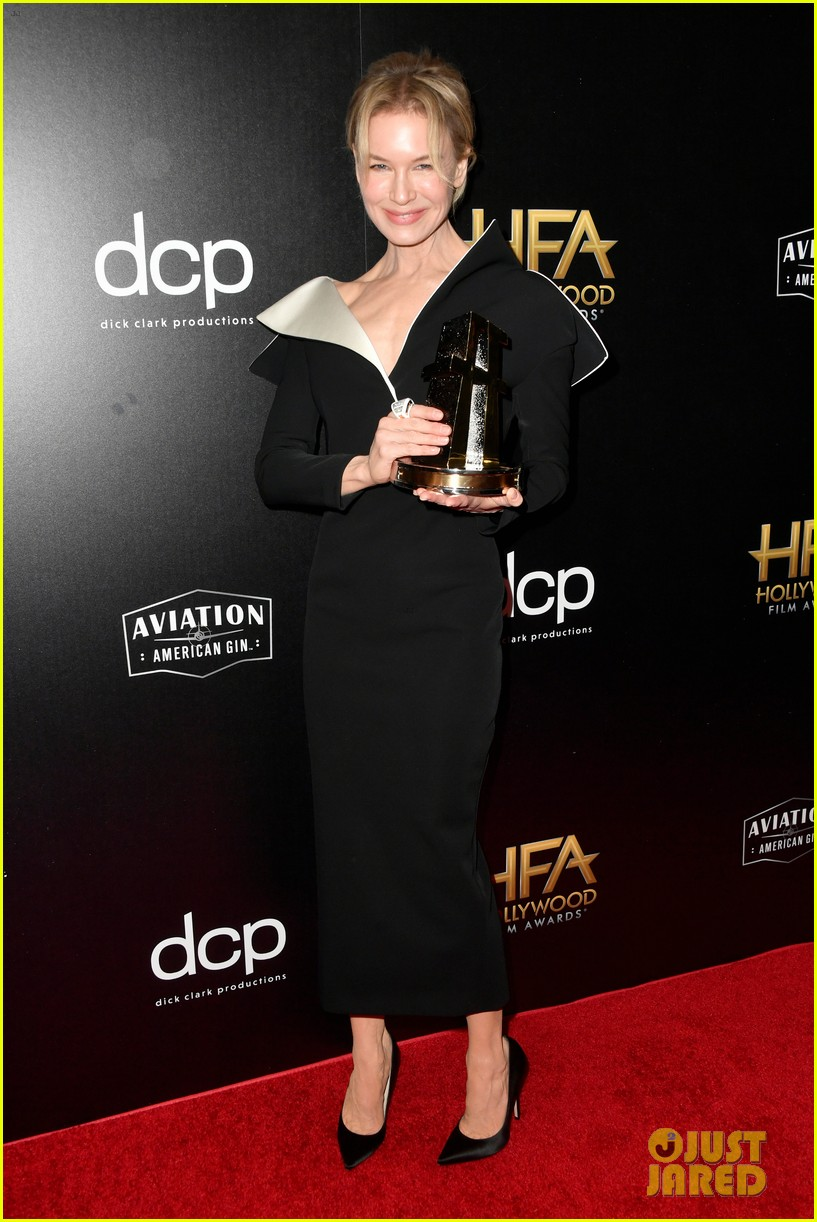 renee zellweger honored role in judy at hollywood film awards 014381824