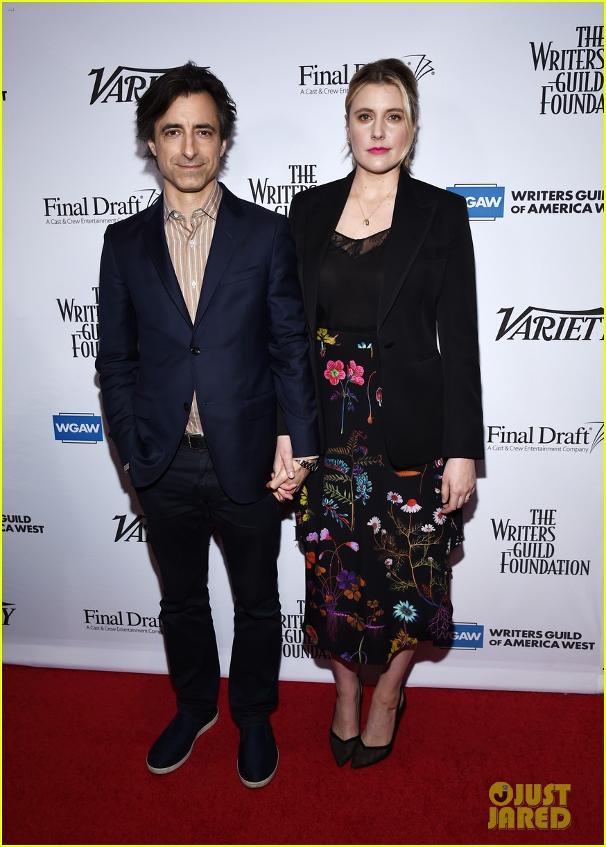 greta gerwig says shes indebted to mariska hargitay for helping her through pregnancy 024421080