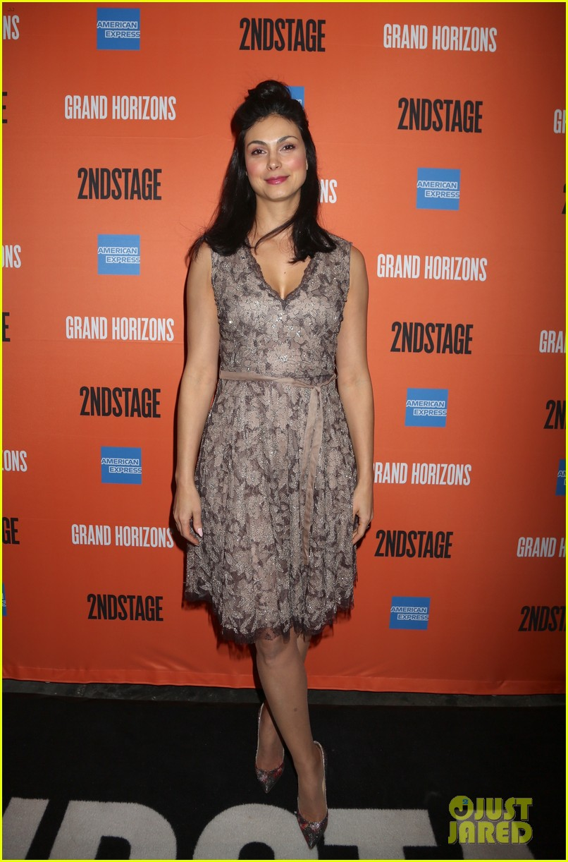 ben mckenzie gets support from wife morena baccarin at broadway debut in grand horizons 034421088