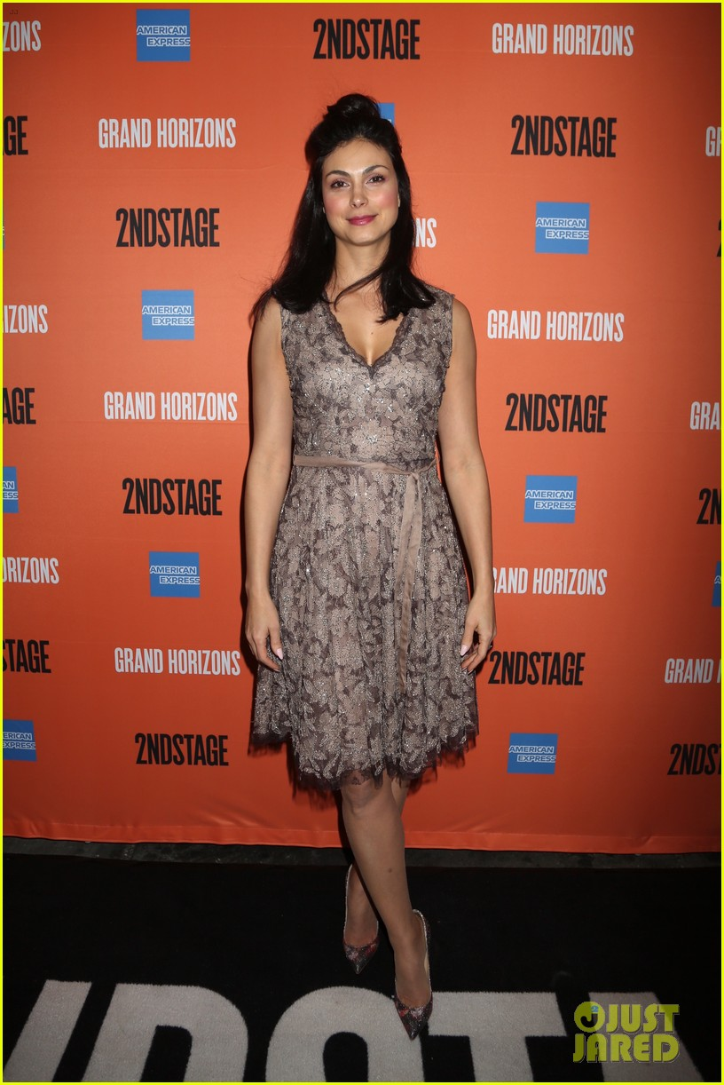 ben mckenzie gets support from wife morena baccarin at broadway debut in grand horizons 074421092