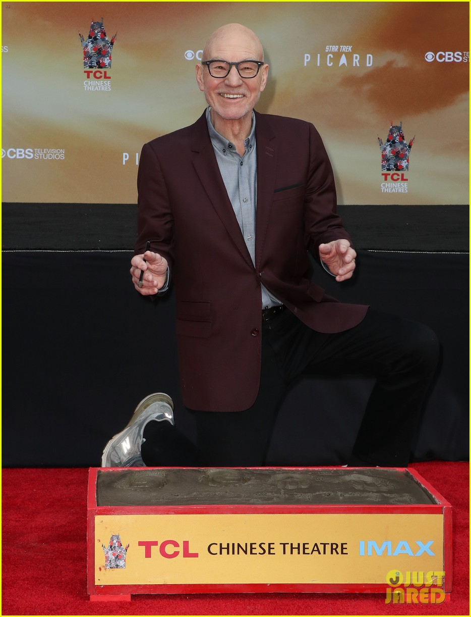 patrick stewart honored hand foot ceremony in hollywood 014415607