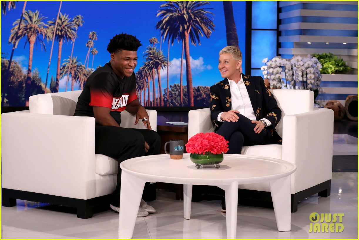 these celebs all freaked out meeting jerry from cheer at the oscars 044436503