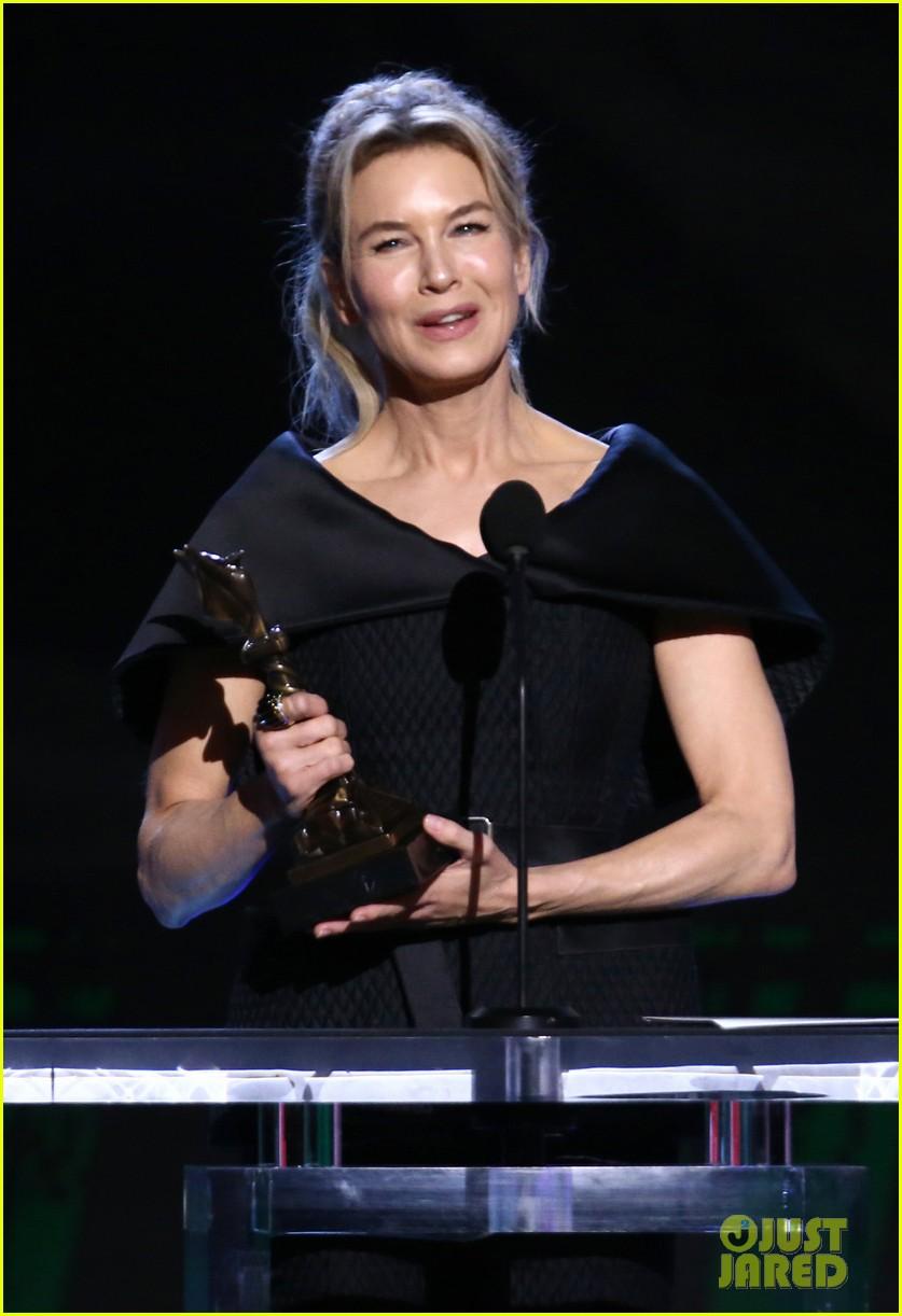 renee zellweger judy garland spirit awards acceptance speech 074432652
