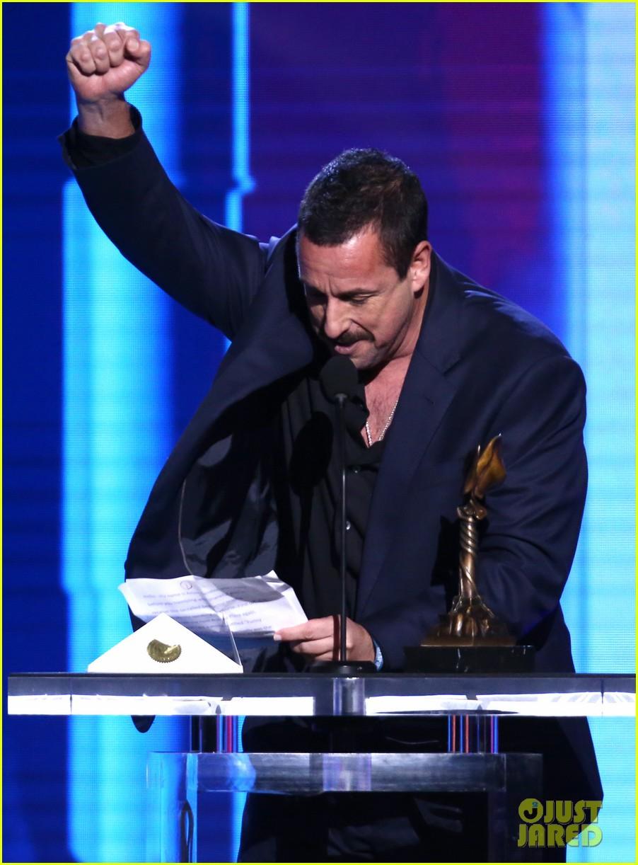 adam sandler wins spirit awards 2020 034432581