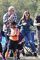 sofia vergara ed oneill modern family set photos 04