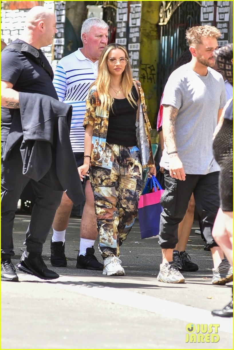 little mix touches down in brazil without perrie edwards 014447134