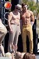jake picking shirtless with zac efron 18