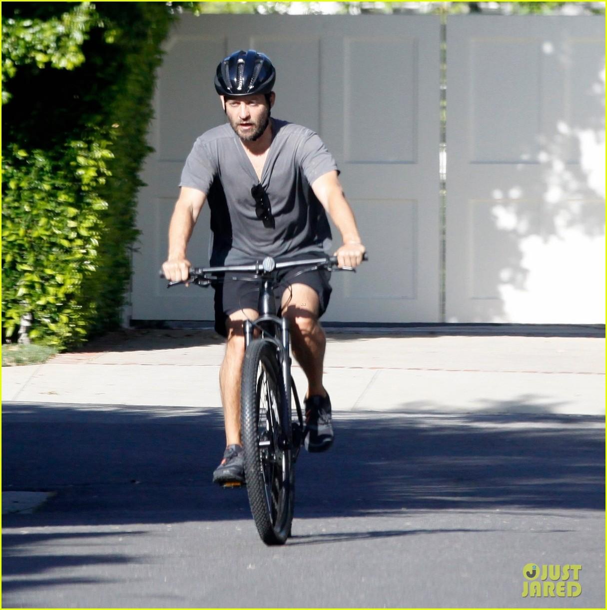 tobey maguire bike may 2020 014459317