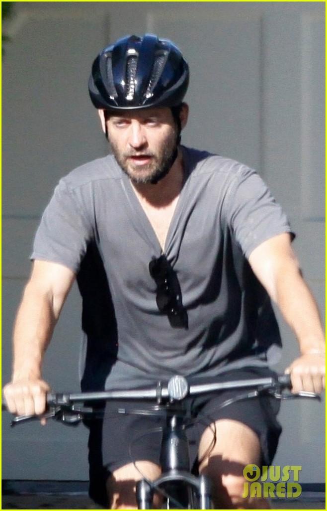 tobey maguire bike may 2020 054459321