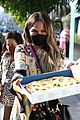 chrissy teigen pizza la august 2020 01