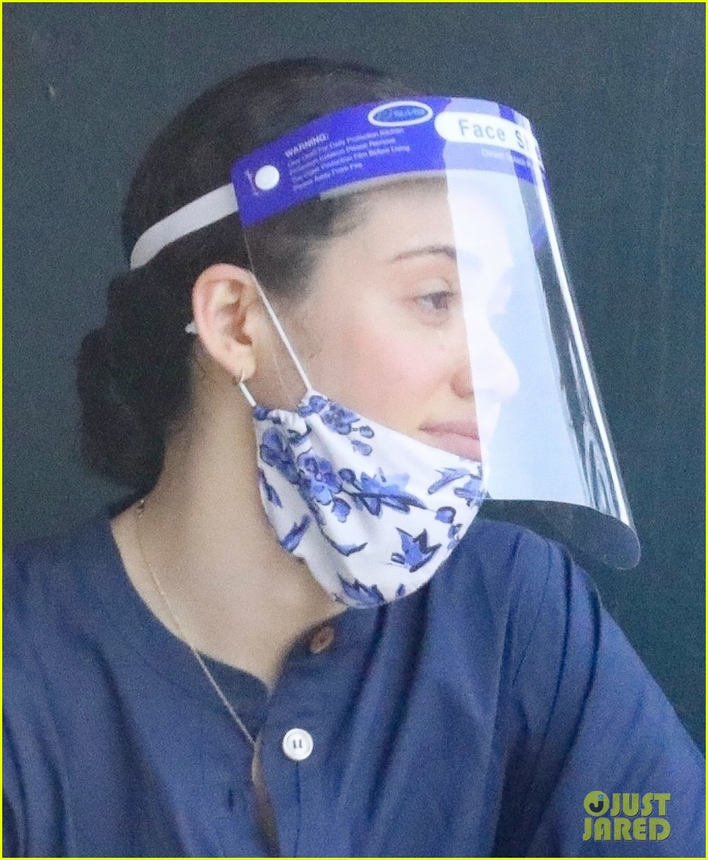 emmy rossum face masks shields with sam esmail 014477172