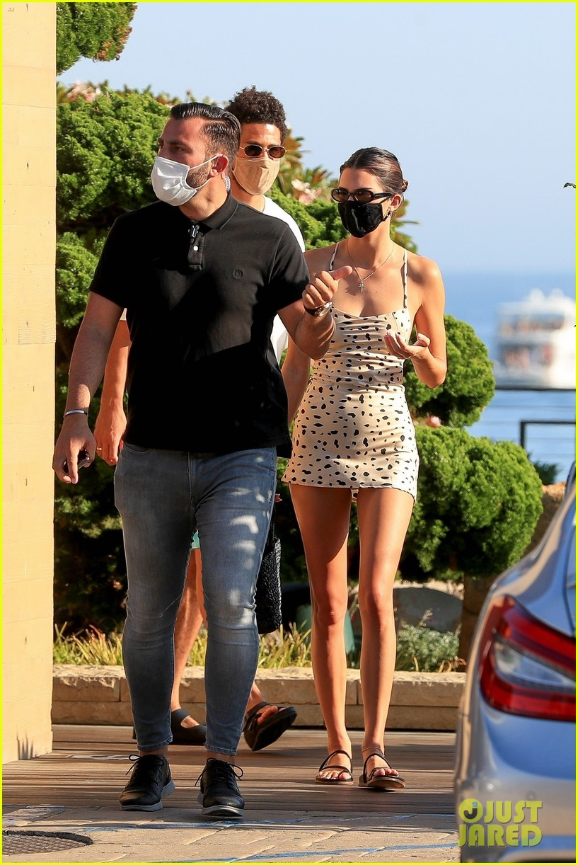 kendall jenner grabs lunch with devin booker at nobu 074480893