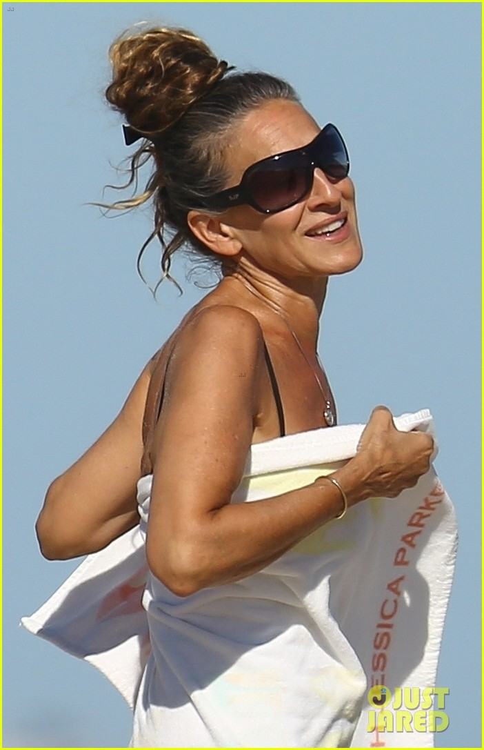 sarah jessica parker matthew broderick beach labor day weekend 024480867