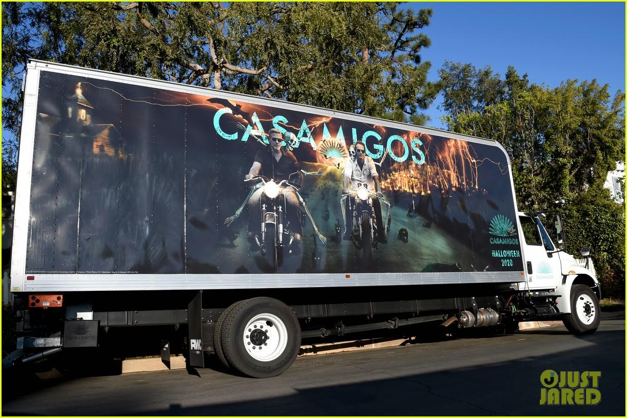george clooney rande gerber casamigos halloween truck 034496676