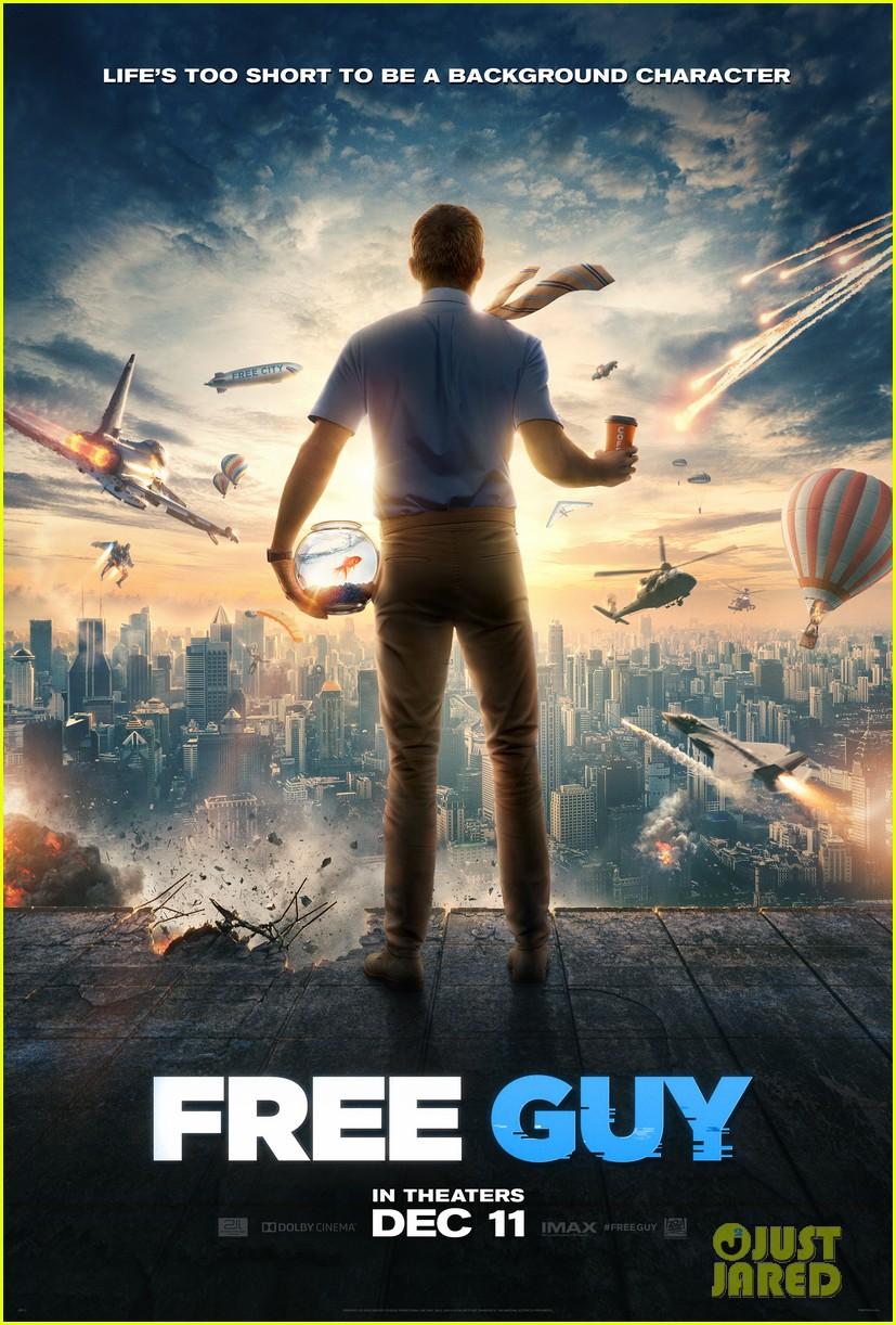 ryan reynolds lives inside video game free guy trailer 004490365