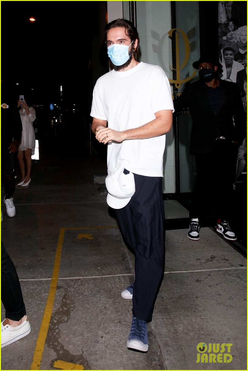 tom kaulitz out at catch 054493608