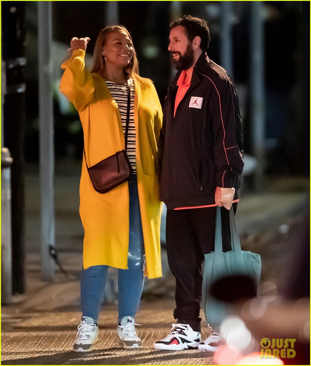 queen latifah adam sandler hold hands new netflix movie 014493753