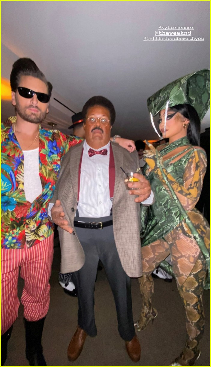 kendall jenner star studded halloween party 044497065