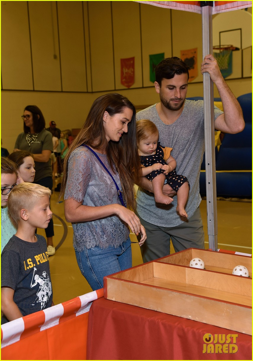 jade roper tanner tolbert welcome third child 084500619