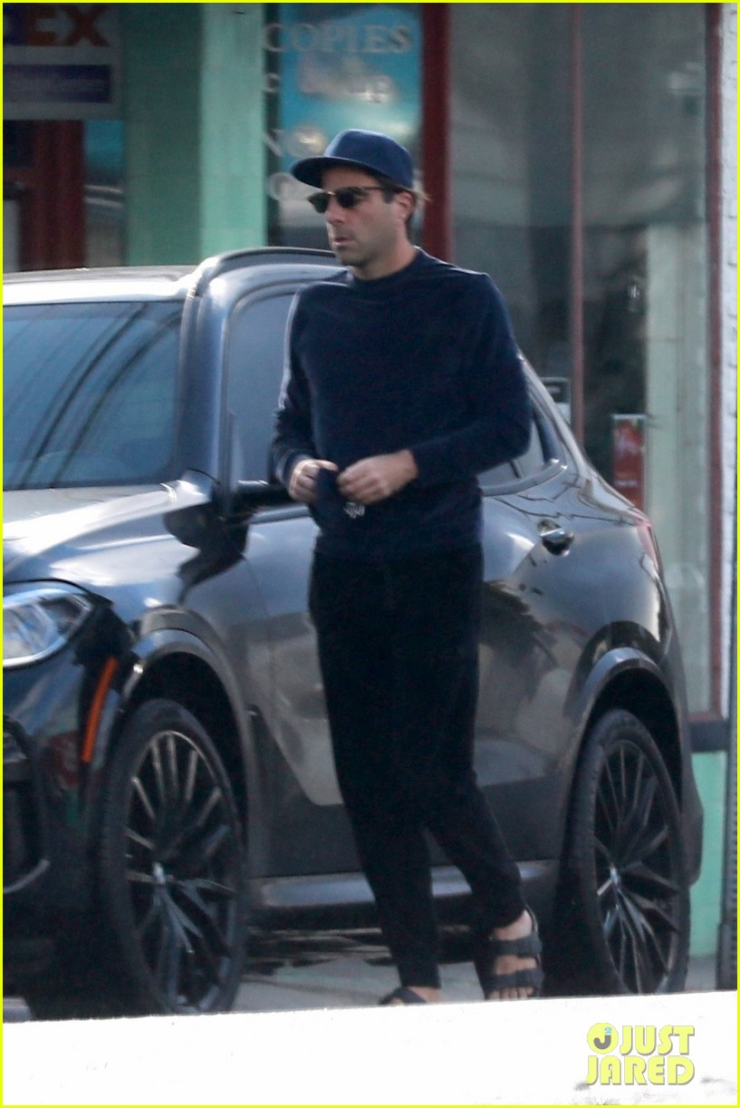 zachary quinto cool in blue picking up breakfast 084512434