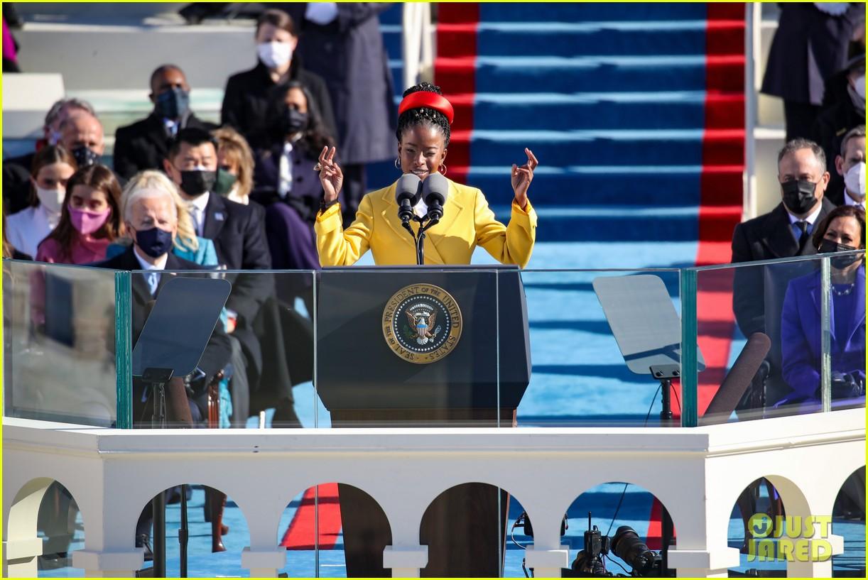 amanda gorman speaking inauguration 2021 134518349