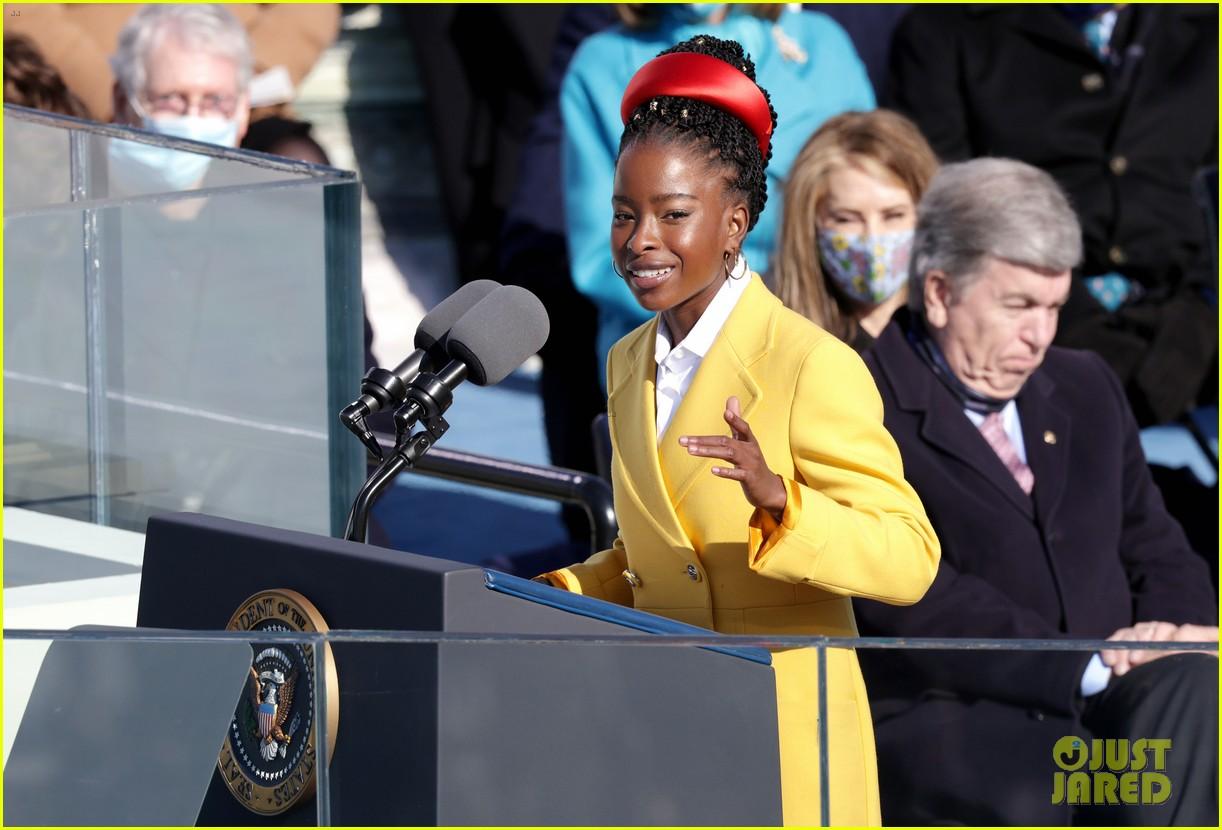 amanda gorman speaking inauguration 2021 154518351