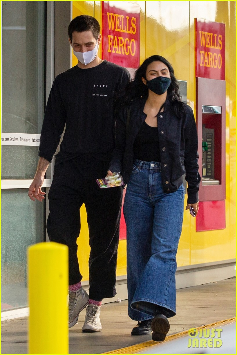 camila mendes grayson vaughan hold hands while out in los angeles 02