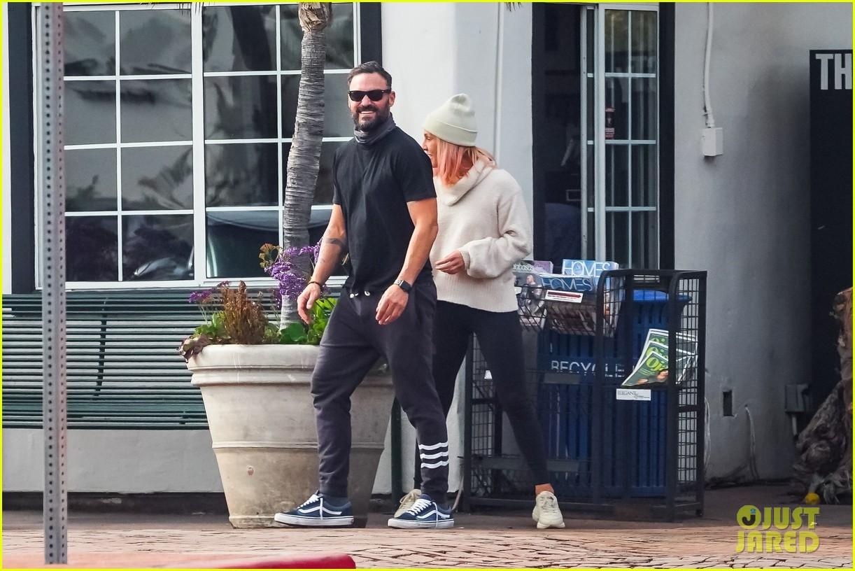 brian austin green sharna burgess couple up running errands 14