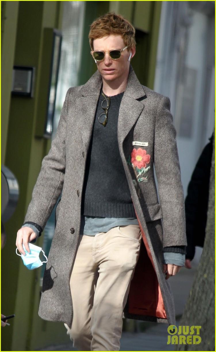 eddie redmayne spotted during break from filming fantastic beasts 014528008