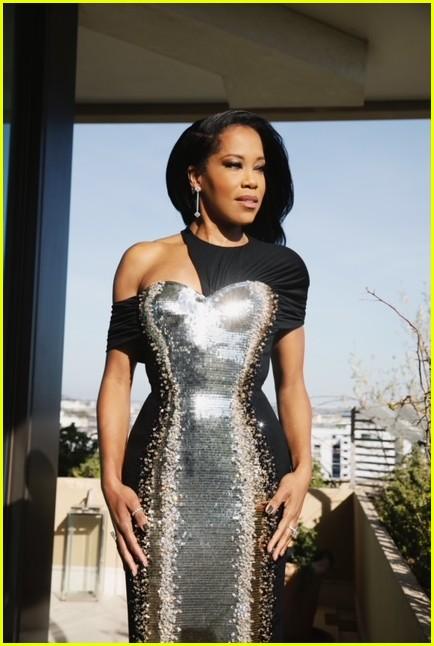 regina king silver black dress golden globes 2021 074528800