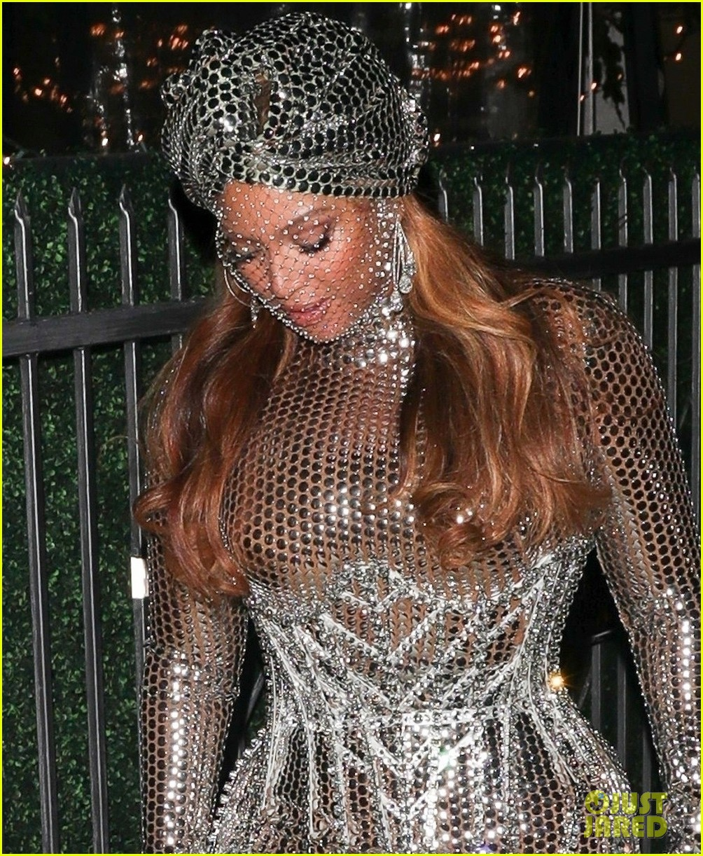 beyonce dazzles in silver dress after historic grammys night 04