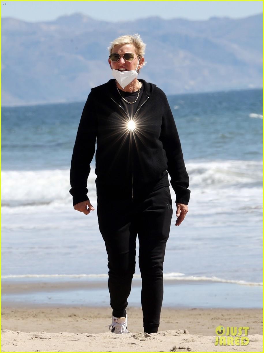 ellen degeneres beach walk before portia surgery 02