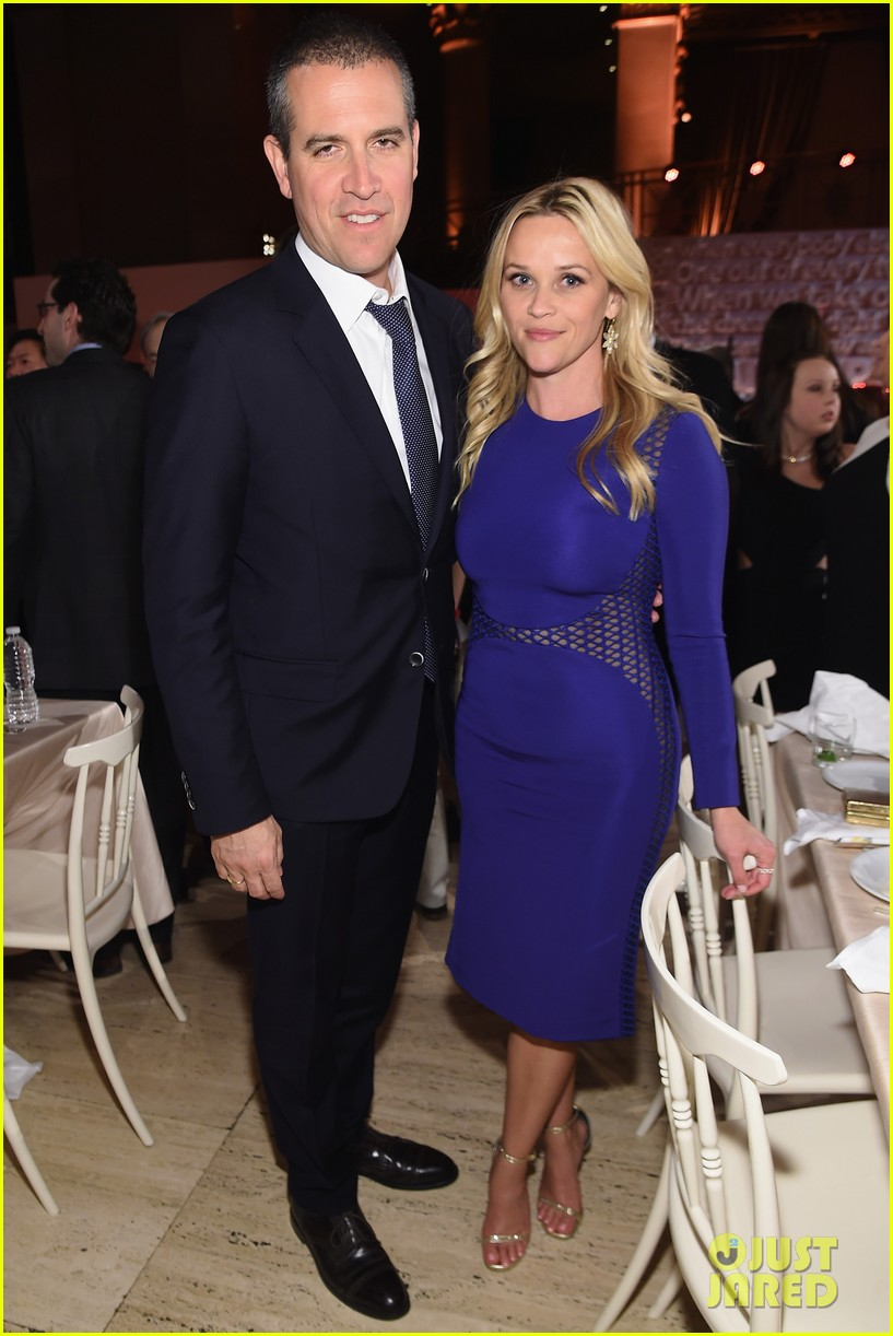 reese witherspoon celebrates anniversary jim toth 124536481
