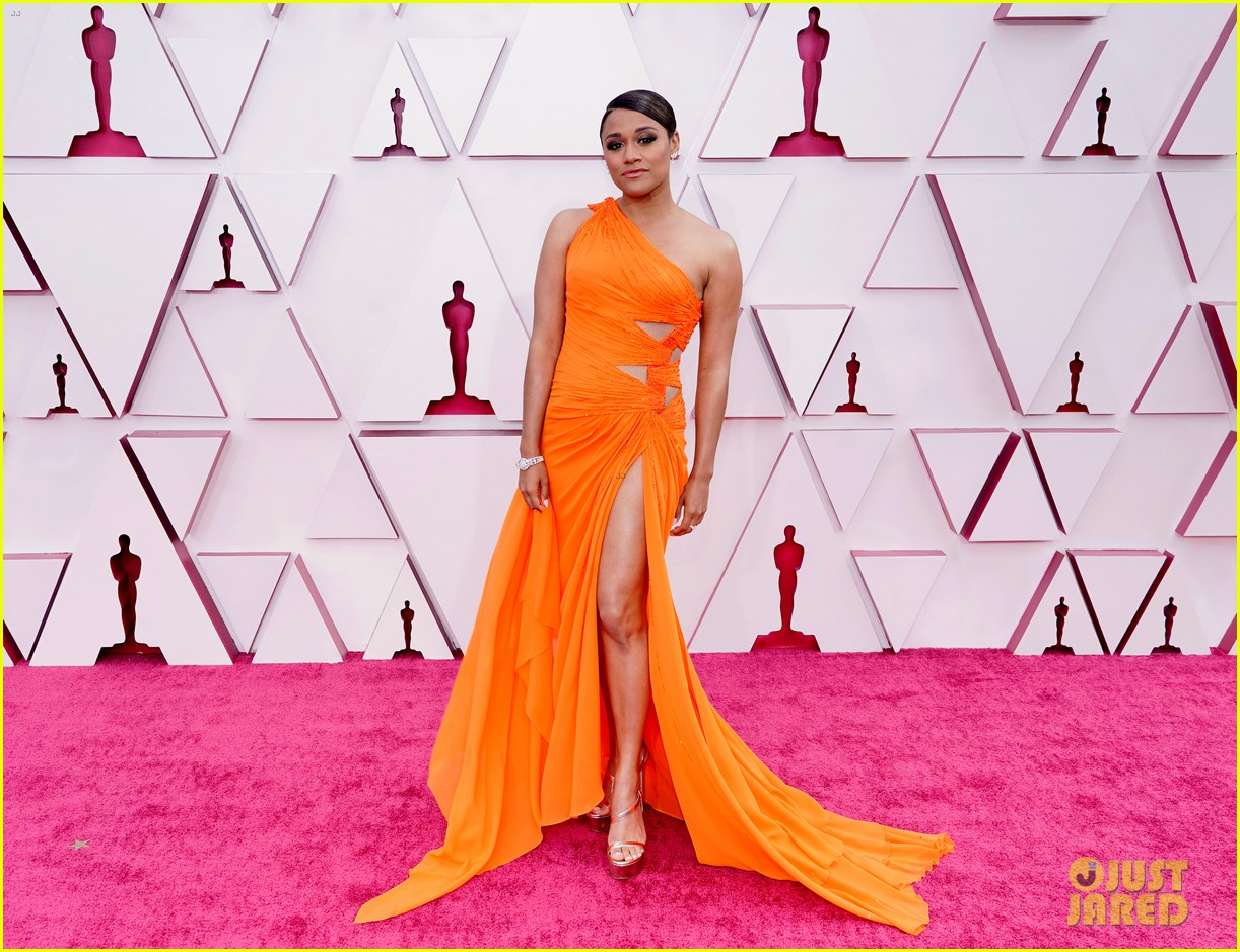 ariana debose lil rel howery oscars 2021 red carpet 144547546