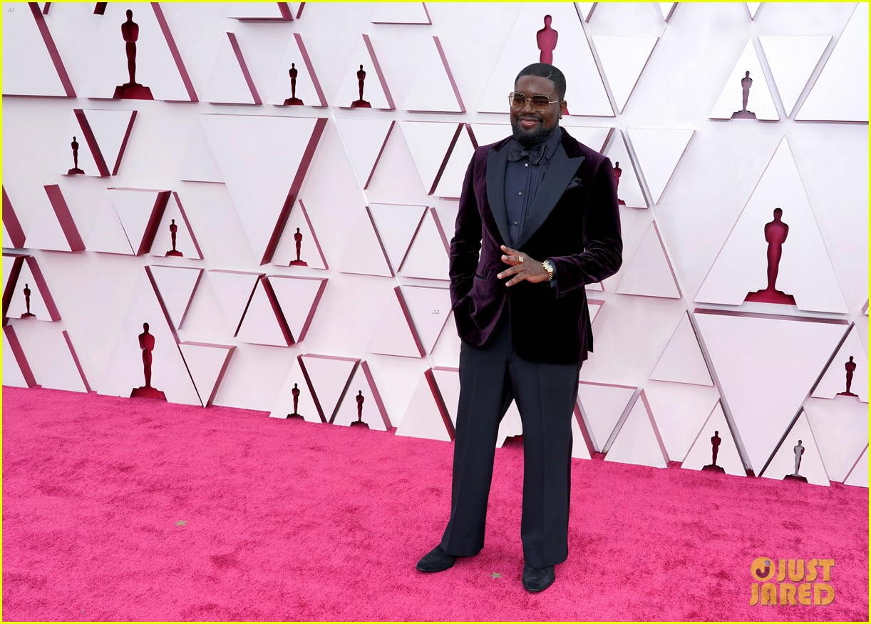 ariana debose lil rel howery oscars 2021 red carpet 164547548