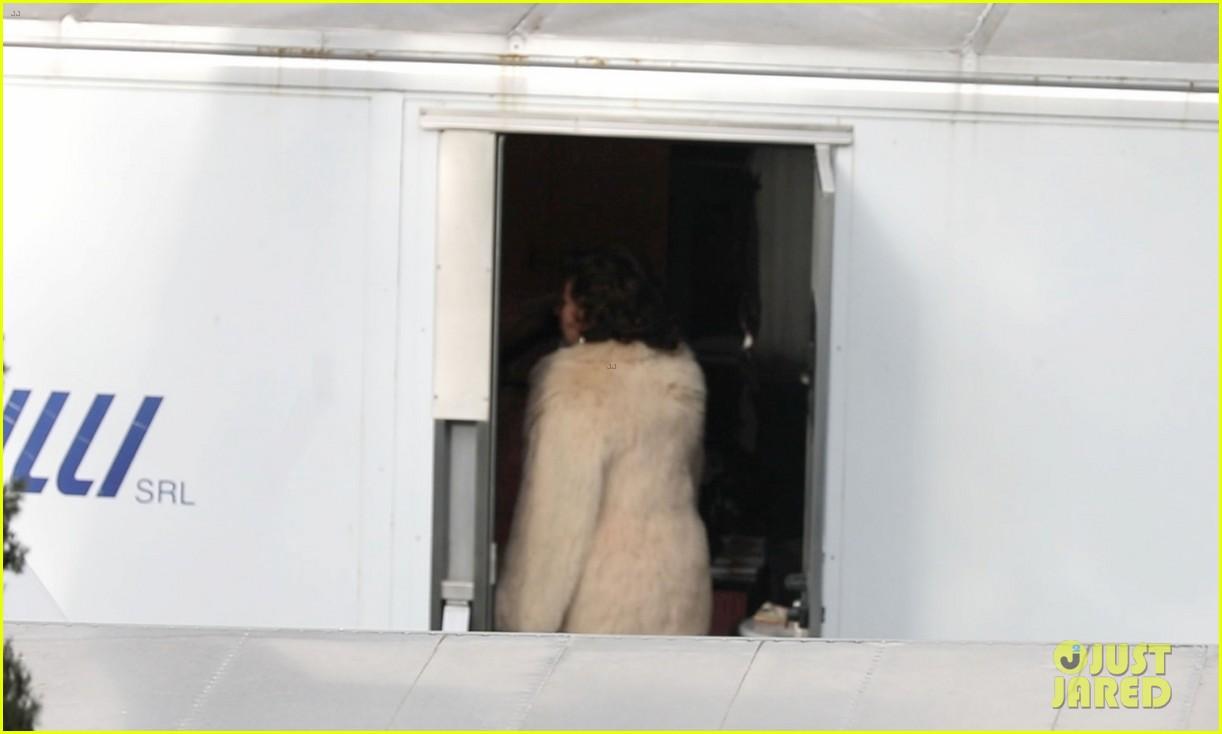 lady gaga wraps up  fur coat house of gucci set 184539471
