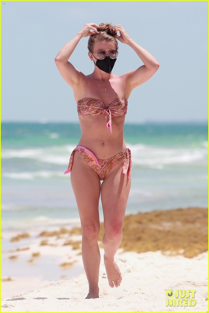 julianne hough goes for dip in ocean mexican vacation 074549504