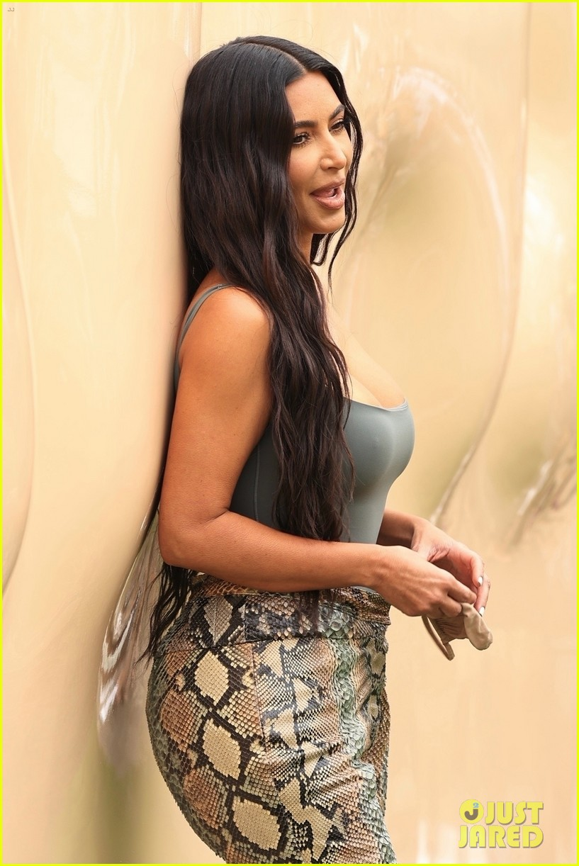 kim kardashian skims pop up shop after billionaire status 514539540