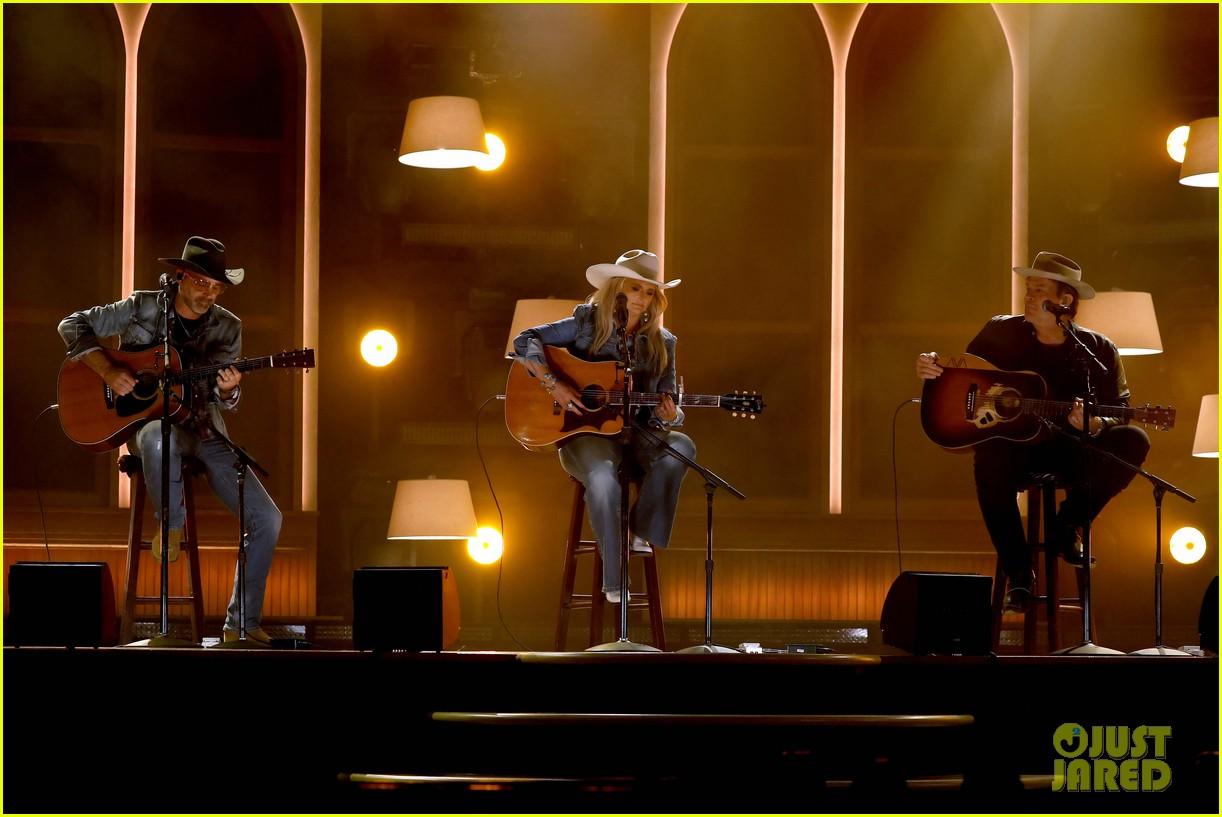 miranda lambert cowboy hat performance two acm awards 184544388