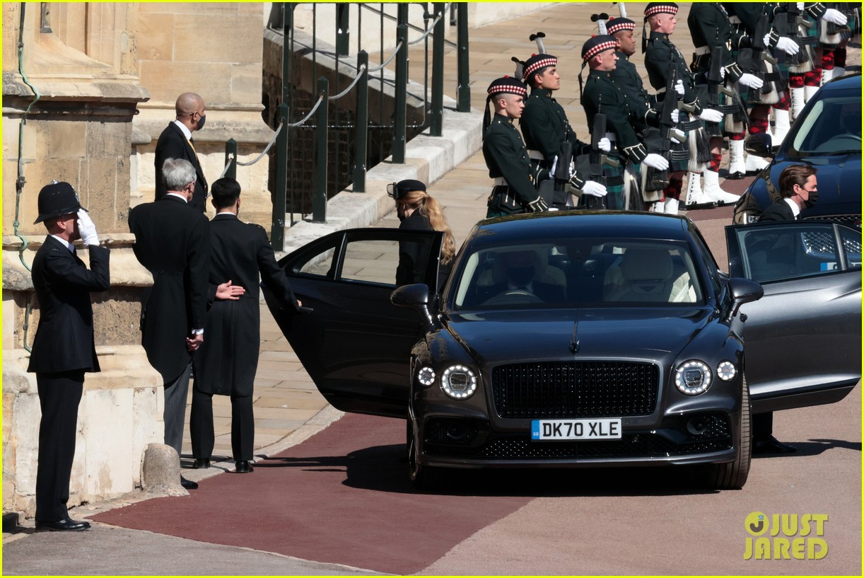 princess beatrice and eugenie arrive funeral 054543542