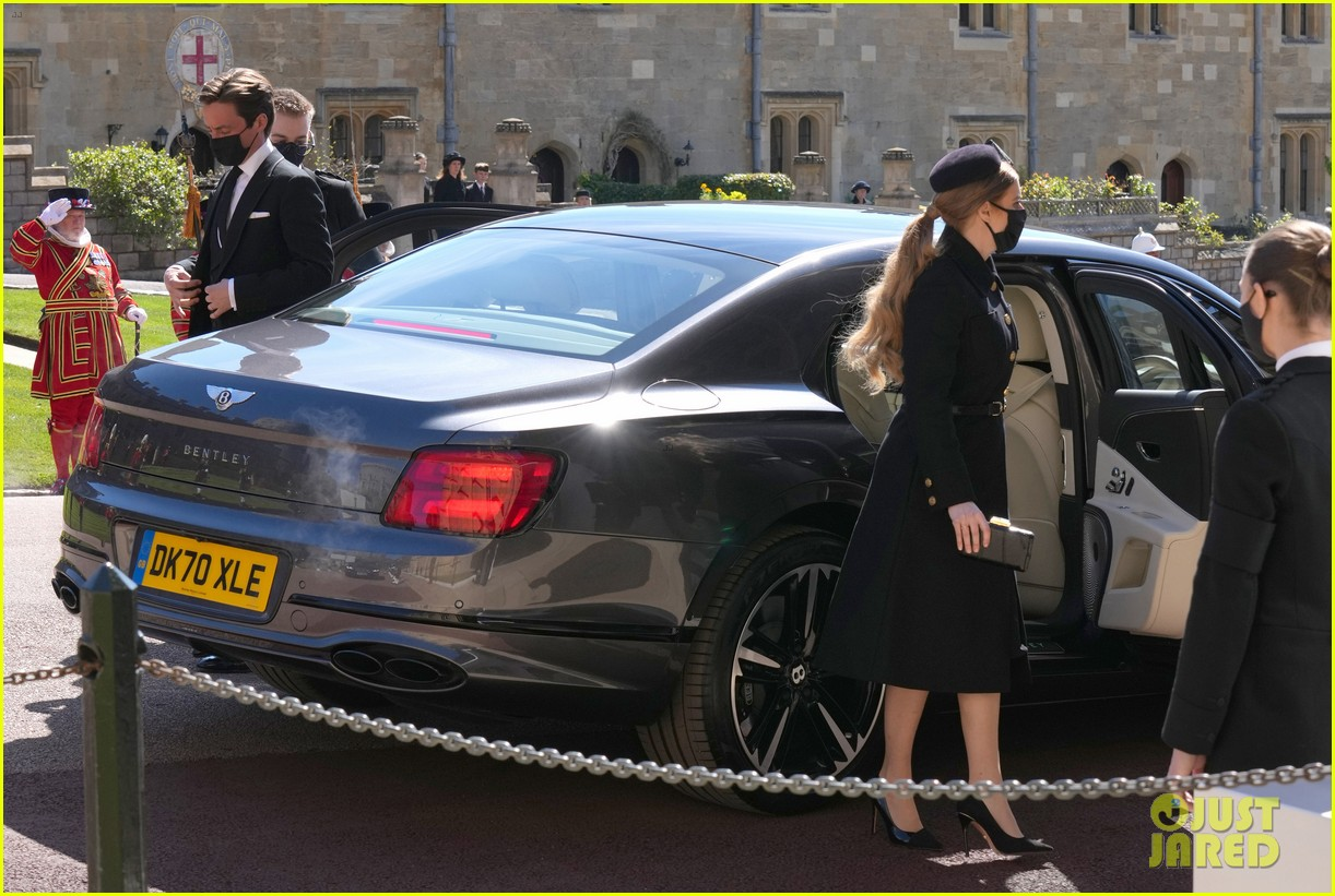 princess beatrice and eugenie arrive funeral 074543544