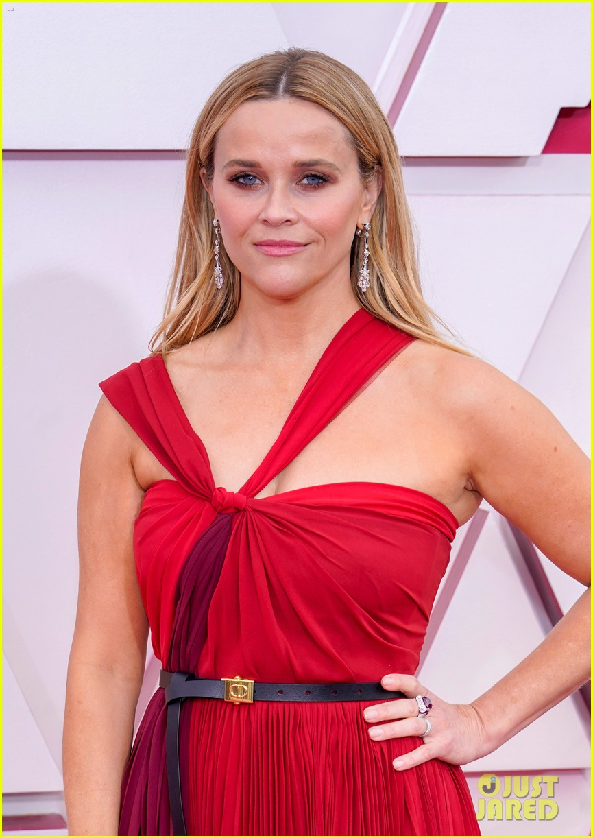 reese witherspoon enjoys night out at oscars 08