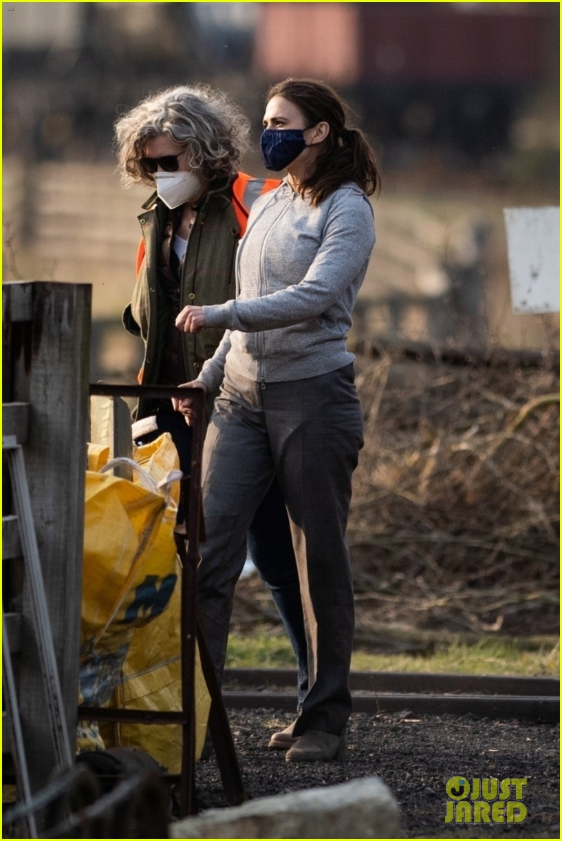 tom cruise hayley atwell filming april 2021 054545116