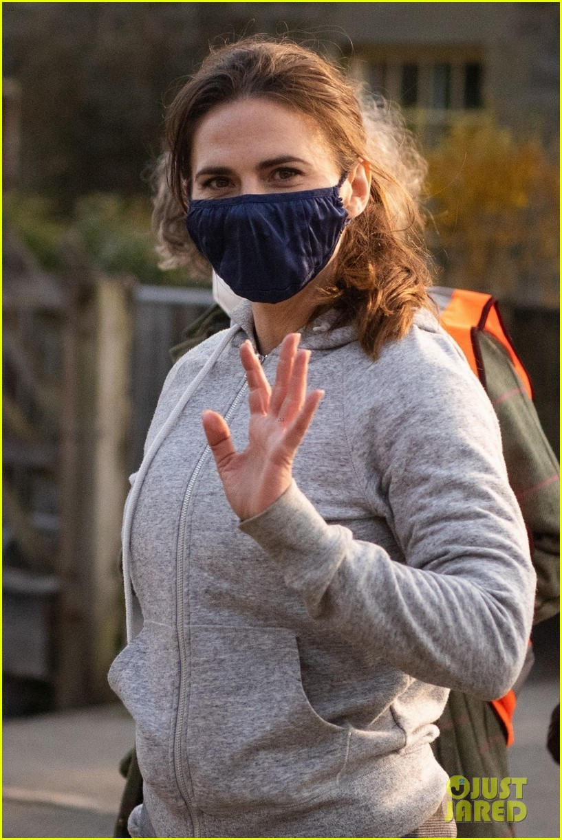 tom cruise hayley atwell filming april 2021 064545117