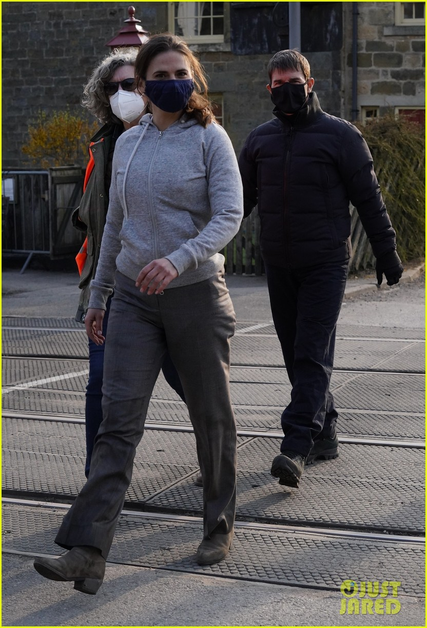 tom cruise hayley atwell filming april 2021 084545119