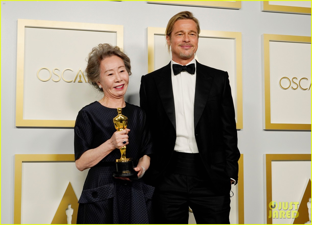 youn yuh jung best supporting actress win oscars 024548093