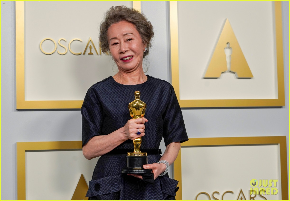 youn yuh jung best supporting actress win oscars 034548094